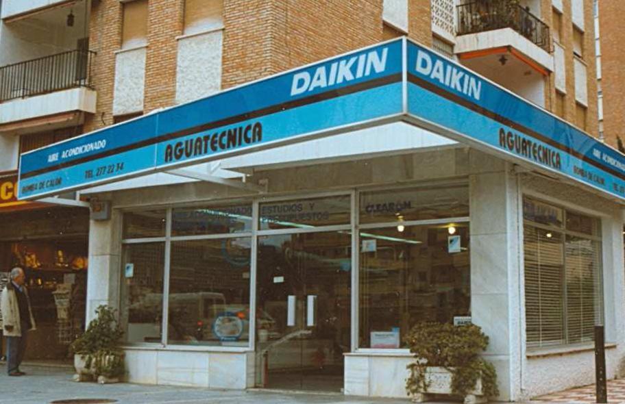 locales comerciales en marbella 1.JPG