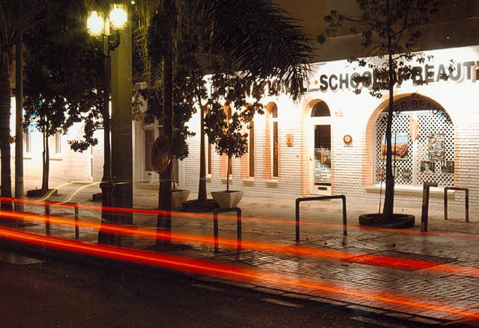 locales_comerciales_en_torremolinos_vista_nocturna.JPG